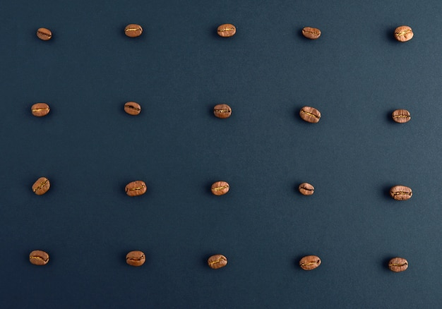 Roasted coffee beans concept. horizontal arrangement.