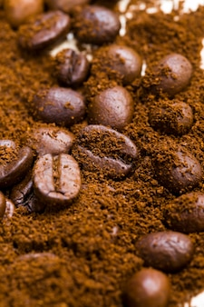 コーヒーのほこりで焙煎したコーヒー豆