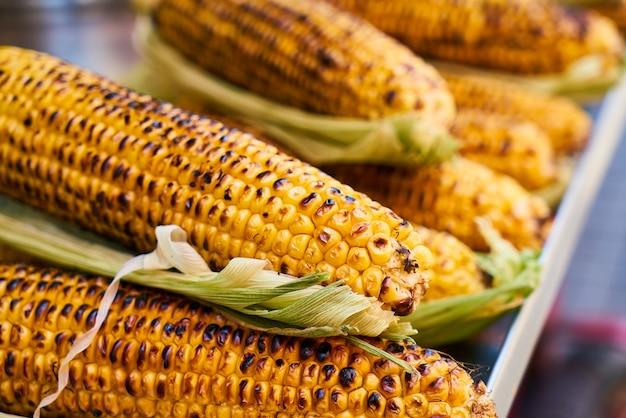 Roasted corncobs