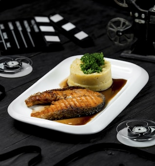 Roasted salmon fillet in teriyaki sauce with mashed potatoes