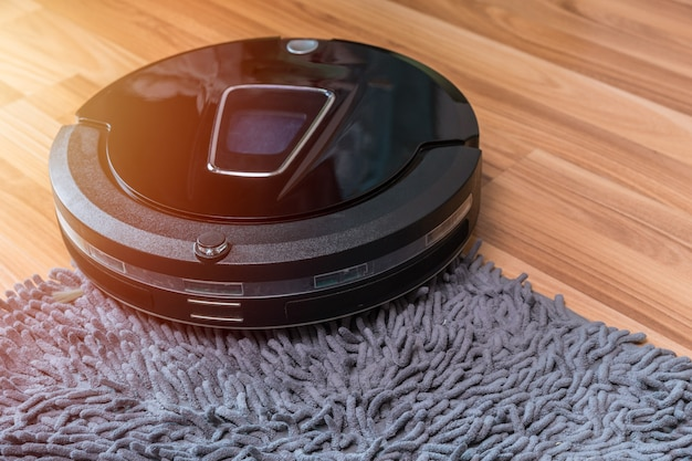 Робот-пылесос, убирающий пол с ковриком, автоматическая домашняя уборочная машина