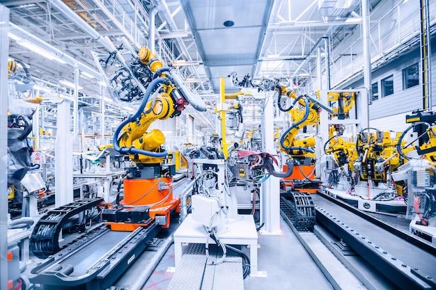 Роботизированное оружие на автомобильном заводе