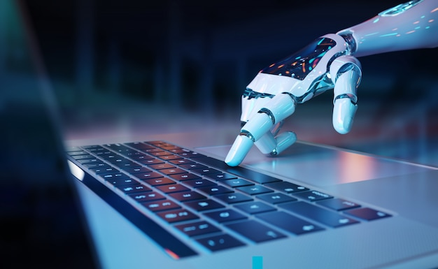 Роботизированная рука нажимает на клавиатуру ноутбука
