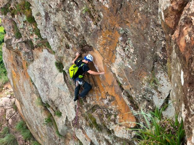 クスクゼイロ砂岩のロッククライマー