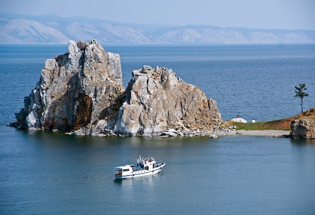 Burhan .olkhon 섬, 바이칼 호수, 시베리아, 러시아 곶에 있는 rock shamanka