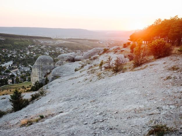 岩山自然旅行太陽の自由