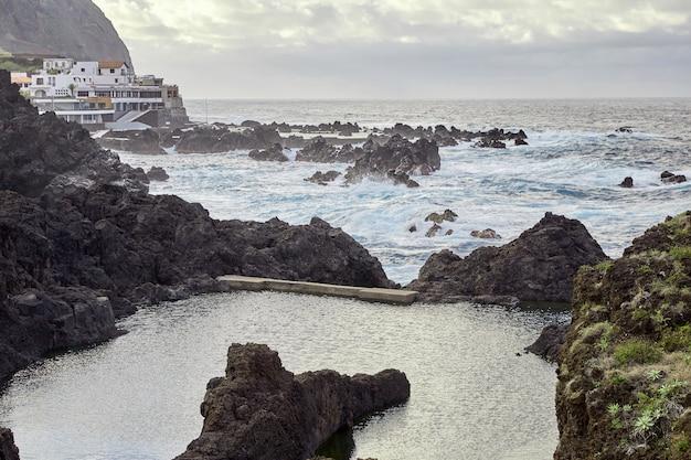 마데이라, 포르투갈의 바위 해안선
