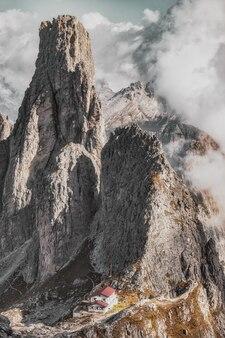 Скалистый горный пейзаж