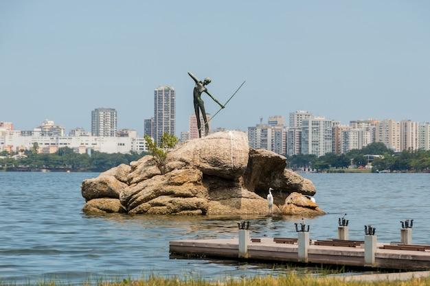 브라질 리우데자네이루의 로드리고 데 프레이타스 라군 - 2021년 3월 28일: 리우데자네이루의 로드리고 데 프레이타스 라군의 전망.