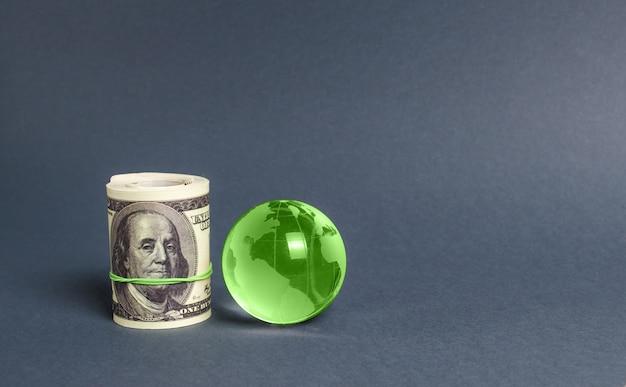 달러와 녹색 행성 지구 지구 국제 송금 매력 투자의 롤
