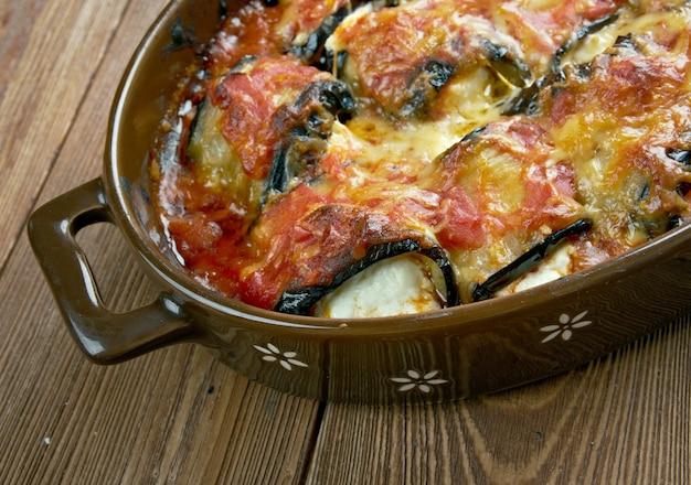 Rollatini di melanzane-茄子の薄切りで作ったイタリアンスタイルの料理、