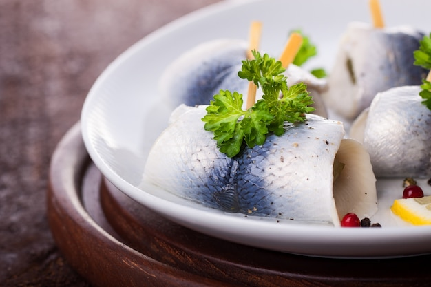 Rolled fish with lettuce