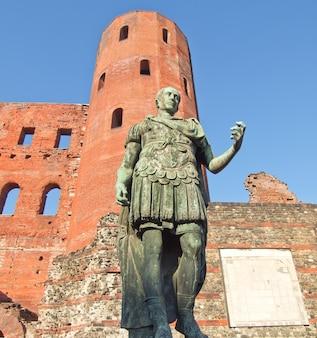 Римская статуя августа