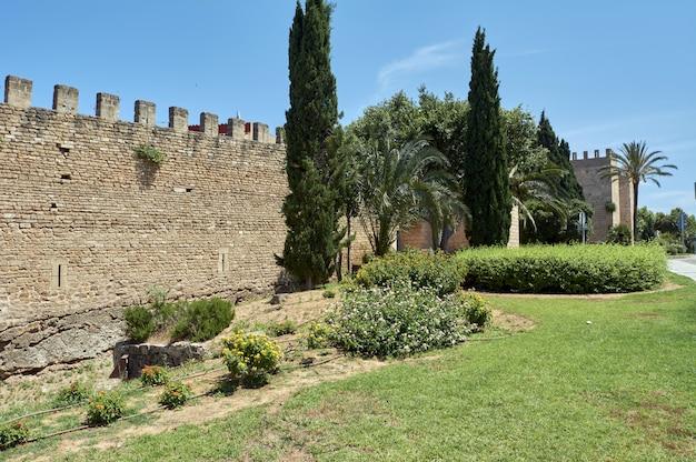 ルーマニアの壁、再建、アルクディア、マヨルキンの町、スペイン