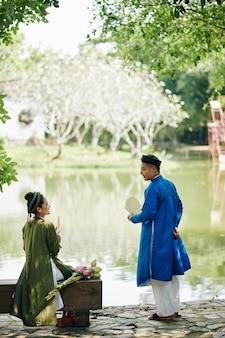 Romanti date in city park