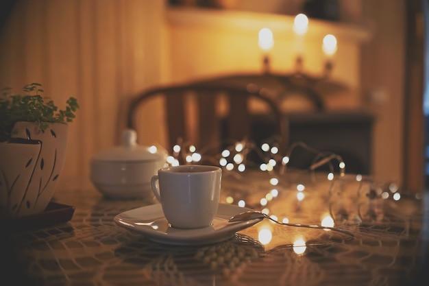 낭만적 인 나무 커피 테이블