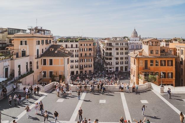 イタリア、ローマ-2019年10月28日:スペイン階段とスペイン広場、ローマのスペイン広場