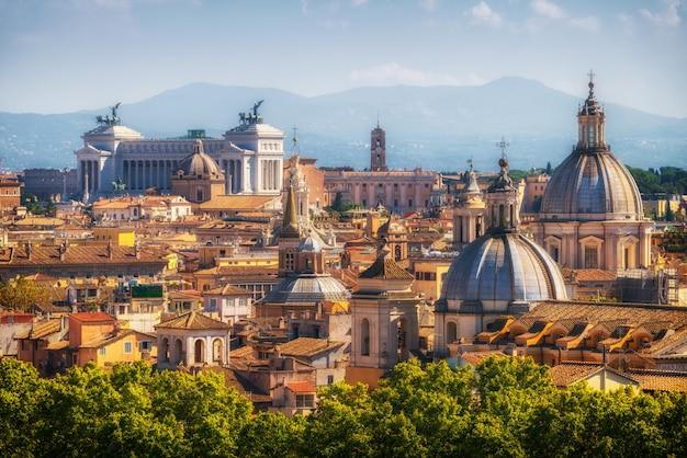 ローマ、イタリアのスカイラインのパノラマビュー
