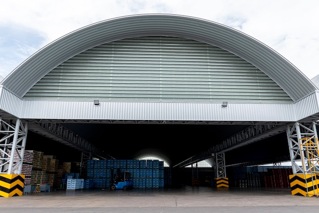 Roof and structure large distribution center