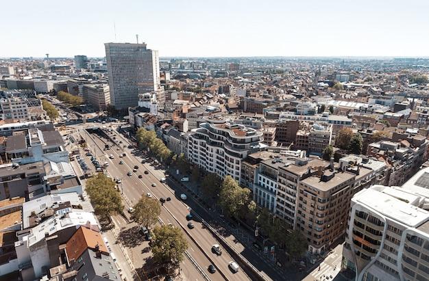 ブリュッセルの屋根と通り。
