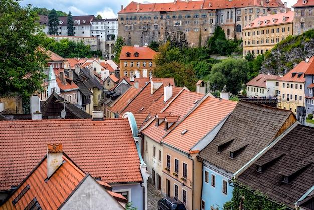 집 주변의 옥상 전경. 체스키 크룸로프, 체코