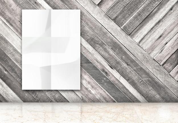 대각선 나무 벽과 대리석 바닥 방에 빈 구겨진 흰색 포스터 매달려 방