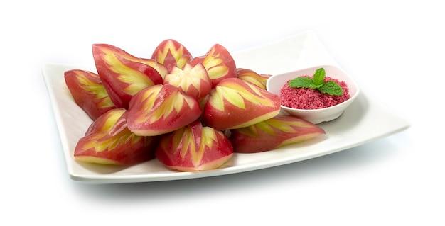 로즈 애플 과일 브레이크 조각 된 잎 스타일 제공 달콤한 매실 설탕 소스