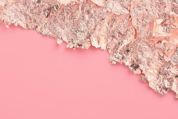 玫瑰金纸撕边框,粉色抽象背景,临摹空间。