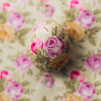 Rose ornamented easter egg