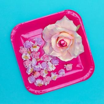 バラの花。フラットレイミニマルアート