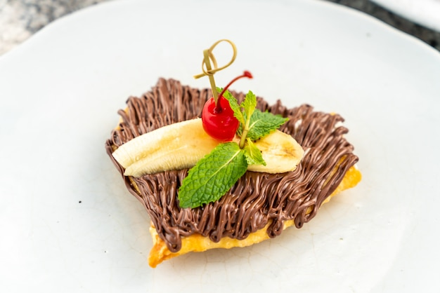 Роти с шоколадом и бананом