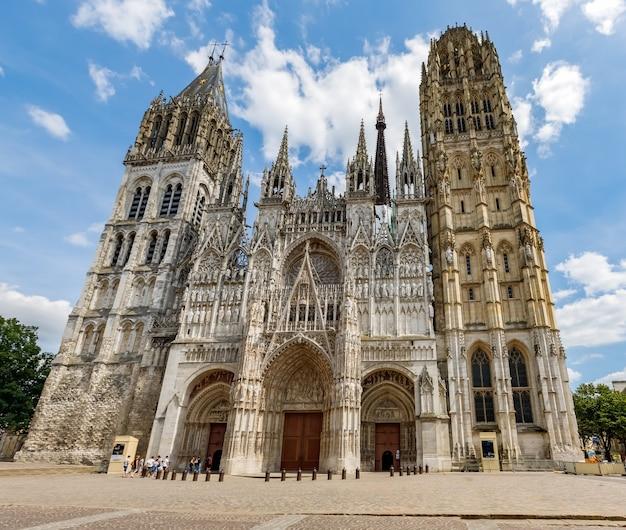 オートノルマンディーフランスのルーアンの首都にあるルーアン大聖堂ルーアン大聖堂