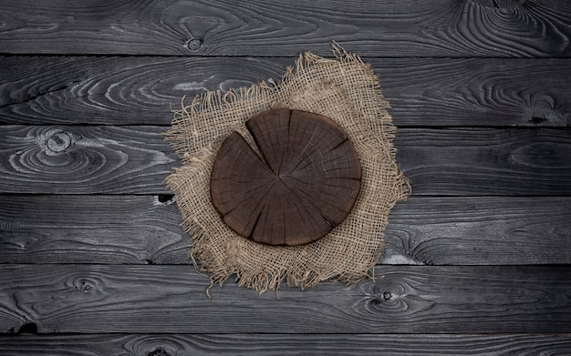 Round cutting board on sack material
