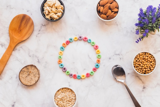 Round frame made fromcereals
