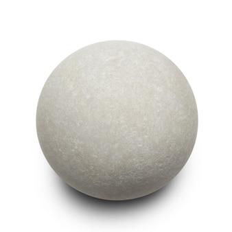 Круглый серый камень на белом фоне