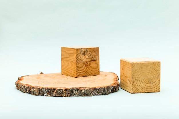 エコ製品用の丸鋸カットシリンダーフォームとキューブボックス。