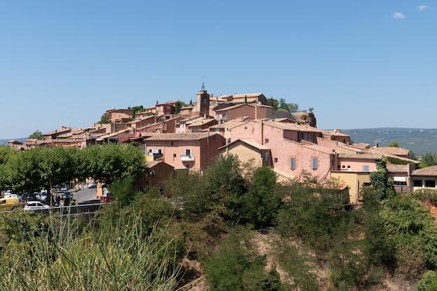 プロヴァンスフランスのルシヨンの丘の村