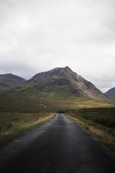 Route to buachaille etive mòr, scotland