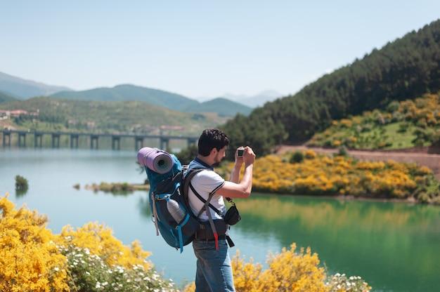 山でのルートデイ、自然の中で学び、楽しむ