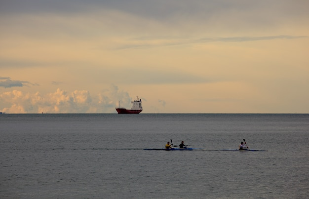 Rowing sea