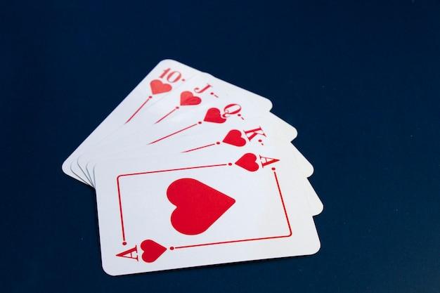 로얄 플러시 카드. 카드 게임, 테이블 위의 카드. 포커와 블랙 잭, 카드 놀이.