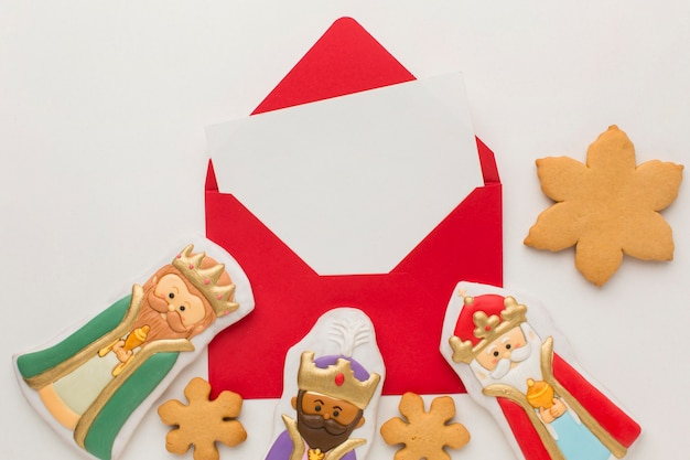 Royalty biscuit edible figurines and snowflake cookie