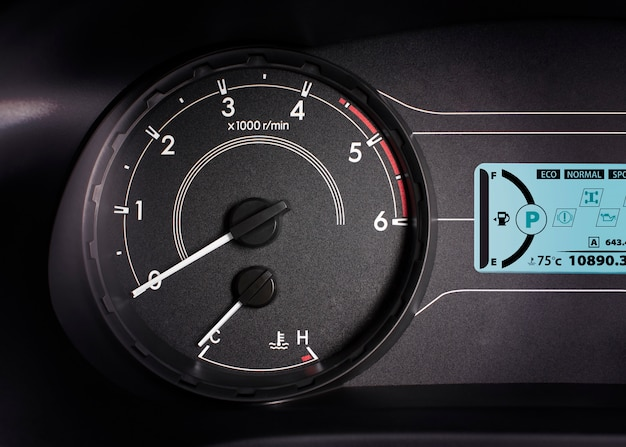 Rpm gauge,tachometer with 6000 rpm and information display.
