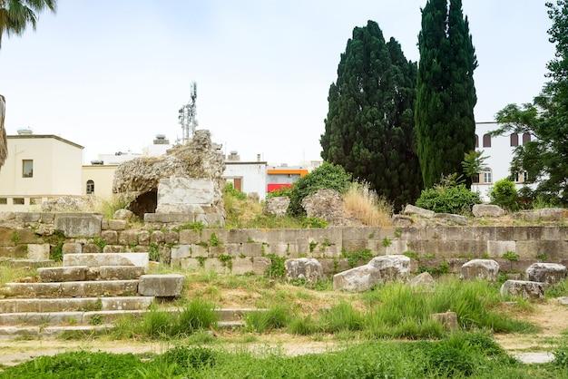 Ruins of ancient kos town castle and hadji hasan mosque, kos islands, greece