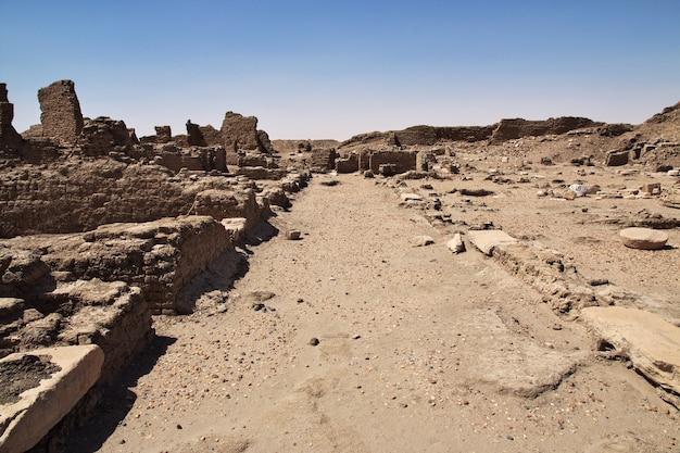 수단 누비아 사이 섬에 있는 고대 이집트 사원 유적