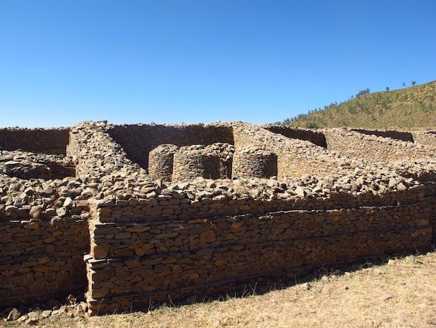 Руины дворца в городе аксум, эфиопия