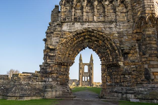 スコットランド、ファイフのセントアンドリュー大聖堂の遺跡