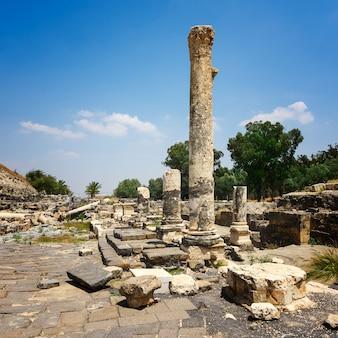 Руины древнего римского города бет шеан, израиль