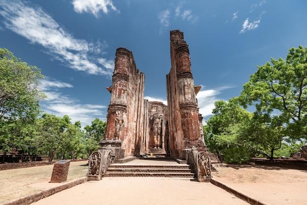 스리랑카 polonnaruwa의 역사적인 도시 유적