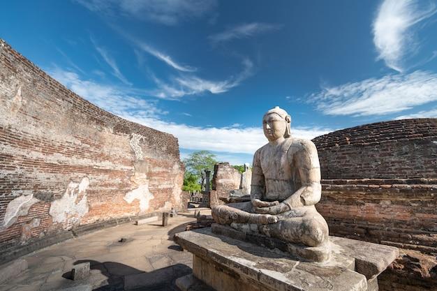 스리랑카 polonnaruwa의 역사적인 polonnaruwa vatadage 유적